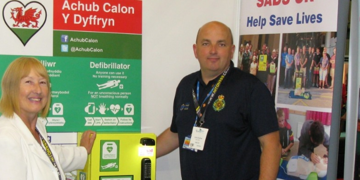 InXpress Gives Back Scheme Places Lifesaving Defibrillator through SADS UK